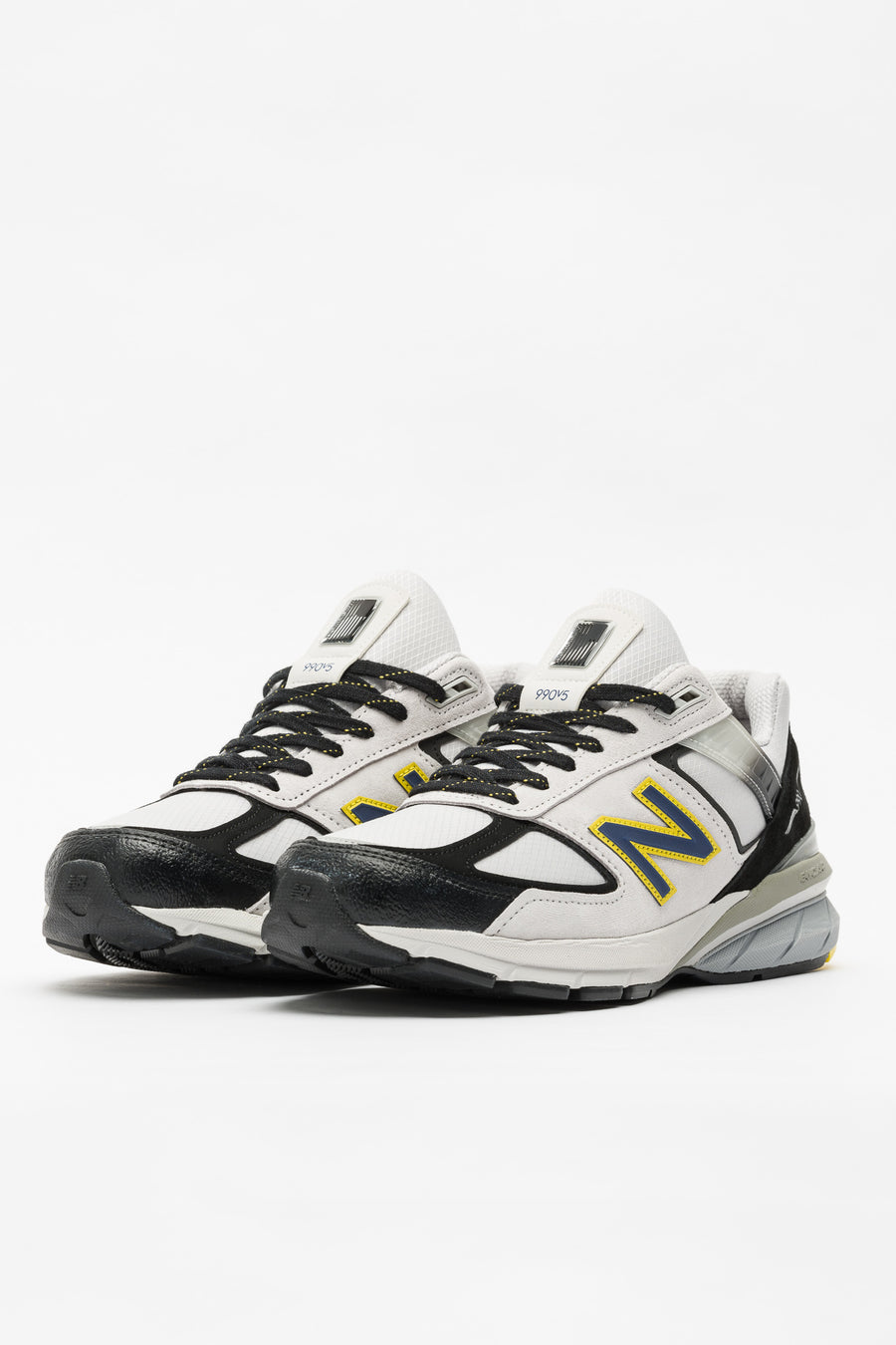 New Balance M990SB5 in Silver/Black - Notre