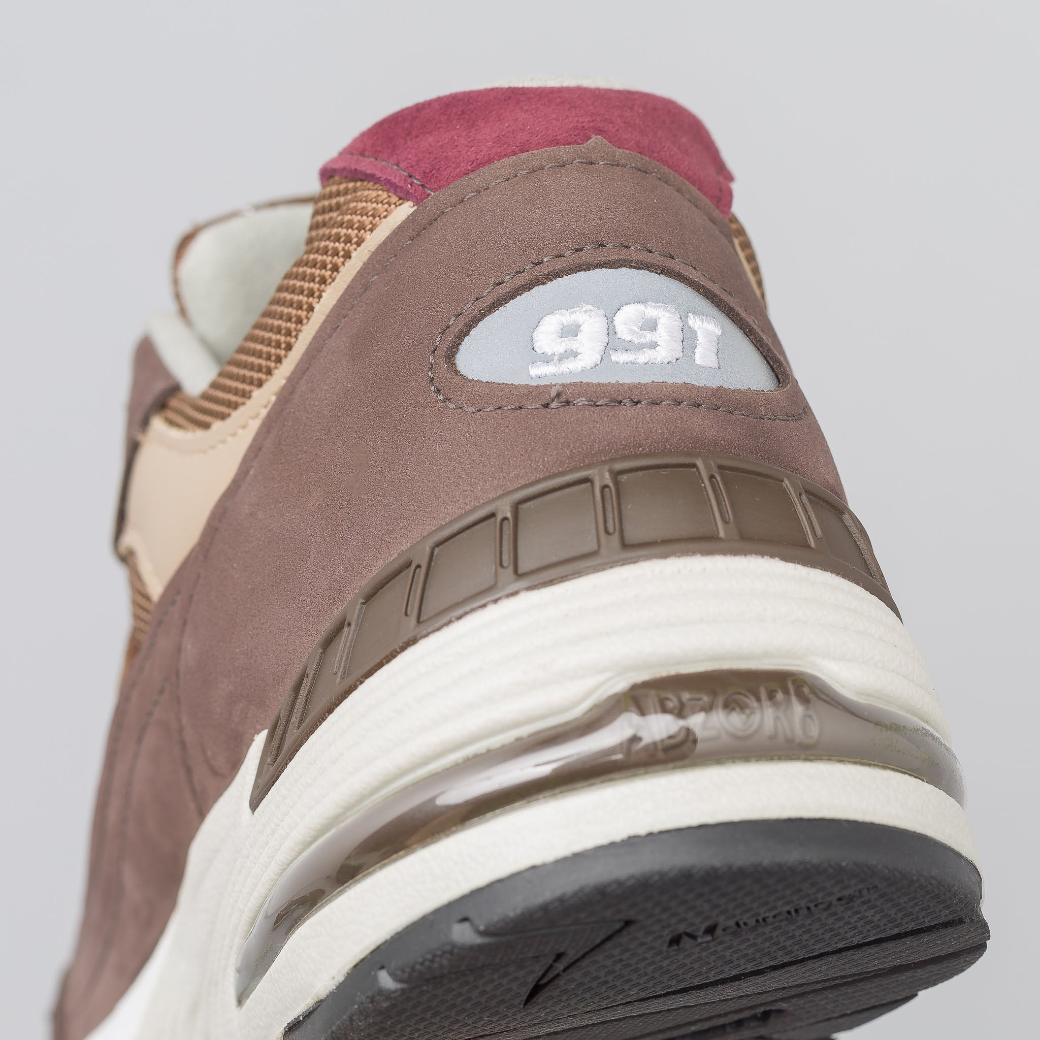 M991NGG in Brown