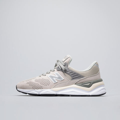 New Balance X90 in Silver/Grey - Notre