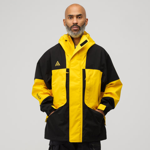 NikeLab ACG GORE-TEX® Jacket in Amarillo/Black - Notre