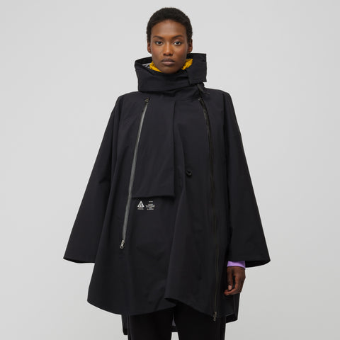 NikeLab Women's ACG 3-in-1 System Poncho in Black/Yellow Ochre - Notre