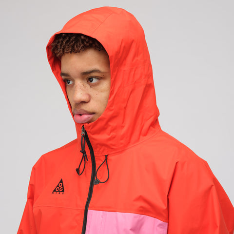 NikeLab Packable Jacket in Habanero Red - Notre