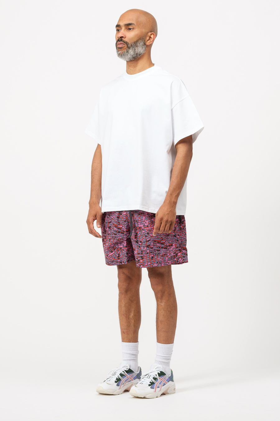 Nike ACG Shorts in Multi/Black - Notre