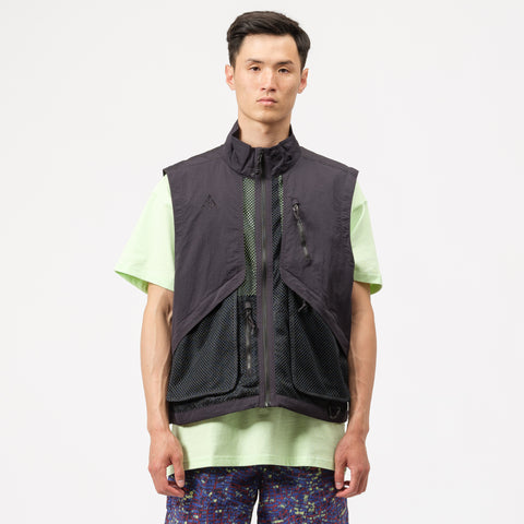 ACG Vest in Black