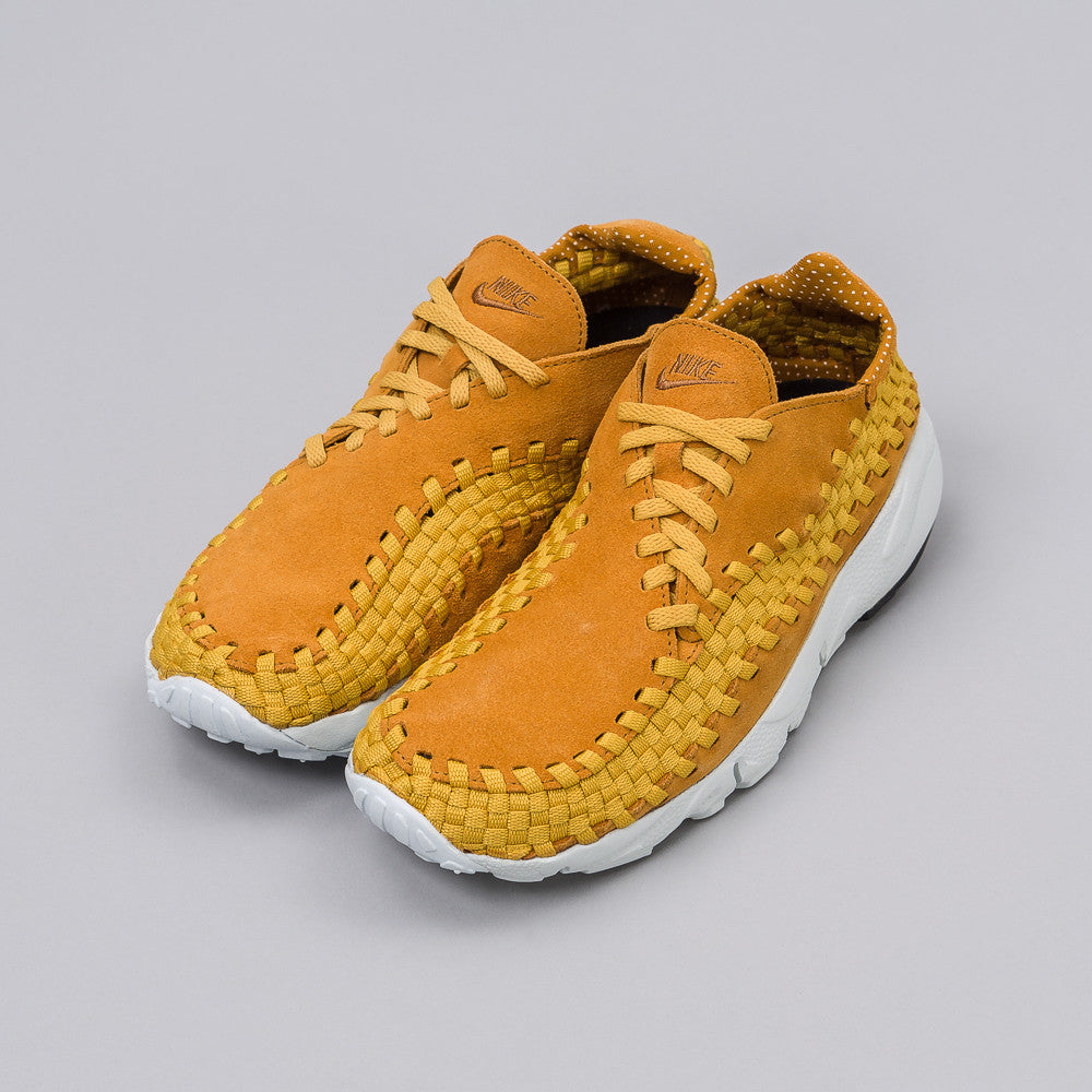 Nike Air Footscape Woven NM in Desert Ochre - Notre