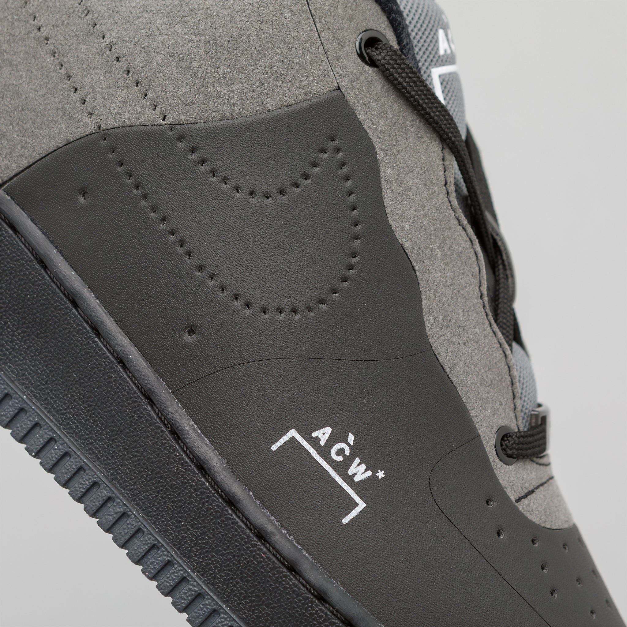 x A-COLD-WALL* Air Force 1 07 in Black
