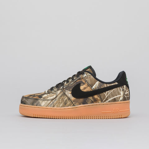 Nike Air Force 1 07 LV8 3 in Black/Aloe/Gum - Notre