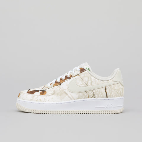 Nike Air Force 1 07 LV8 3 in White/Light Bone - Notre