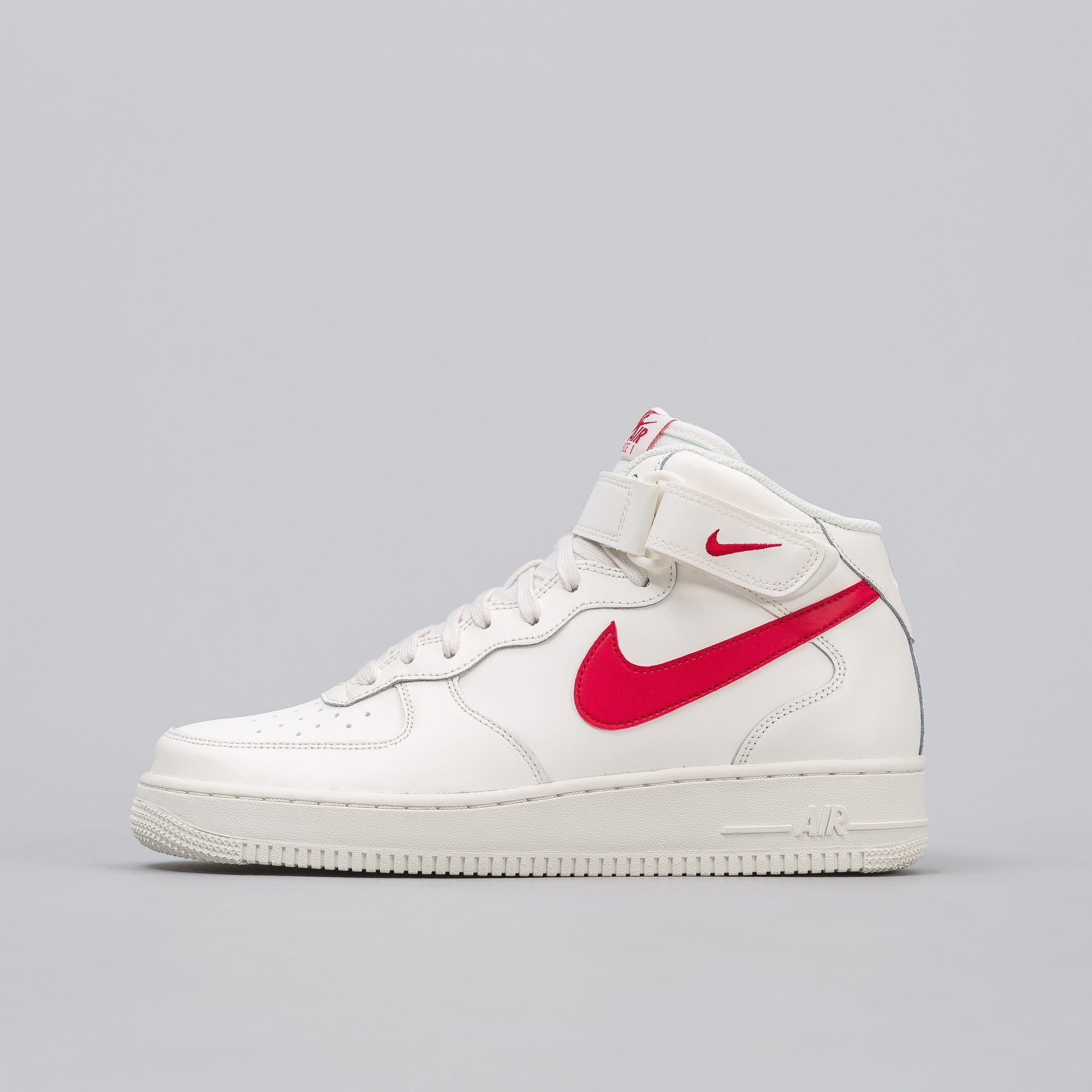 Air Force 1 Mid '07 in Sail/Red