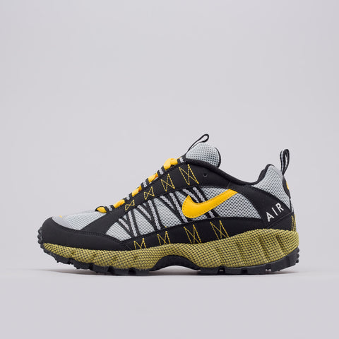 Nike Air Humara '17 in Black/Yellow - Notre
