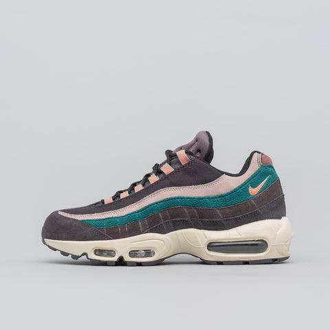 Nike Air Max 95 PRM in Oil Grey/Mango - Notre