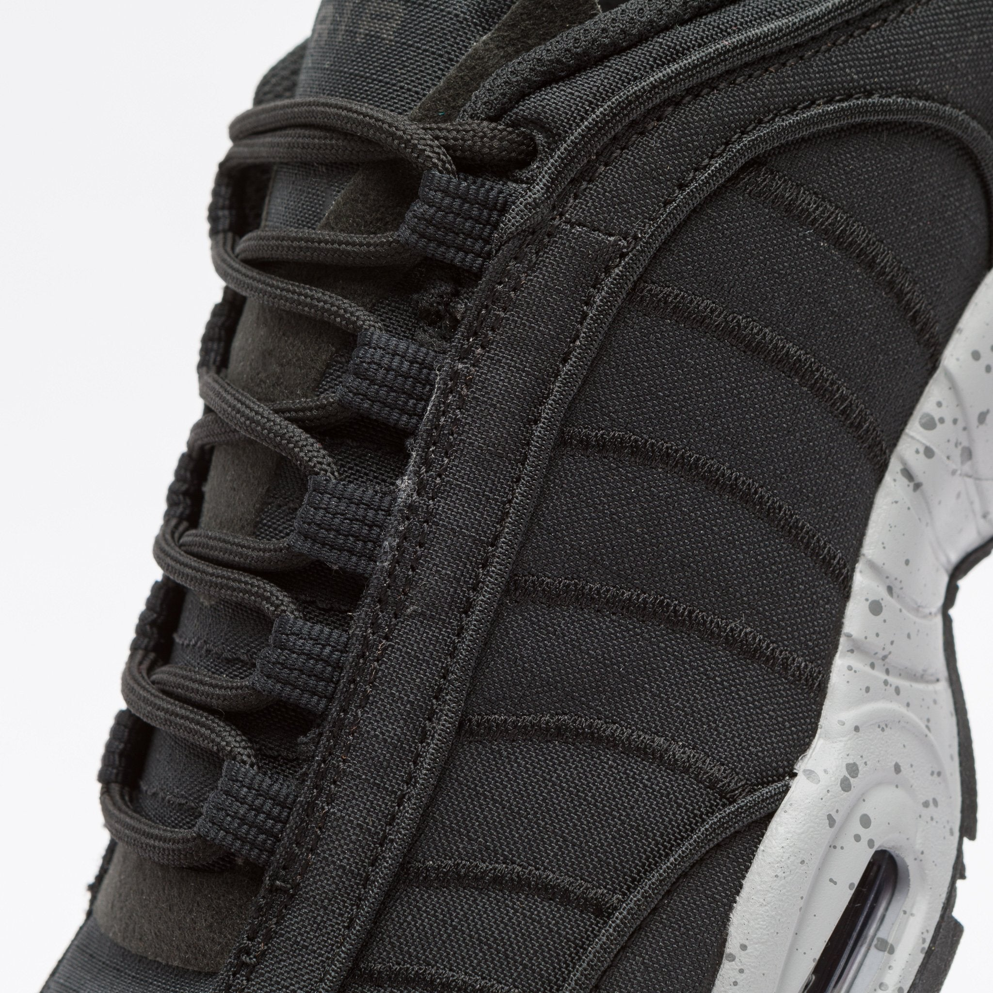 f90d4813 Nike Air Max Tailwind IV SP in Black/Wolf Grey | Notre