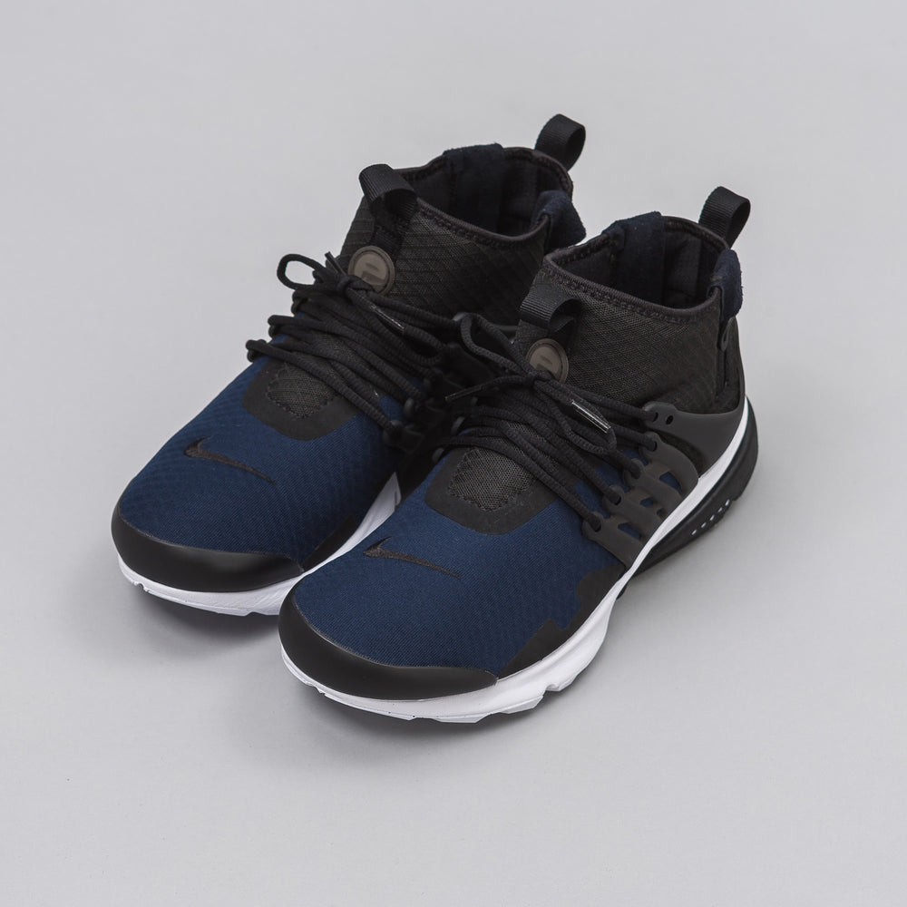 Nike Air Presto Mid SP in Black/Obsidian - Notre
