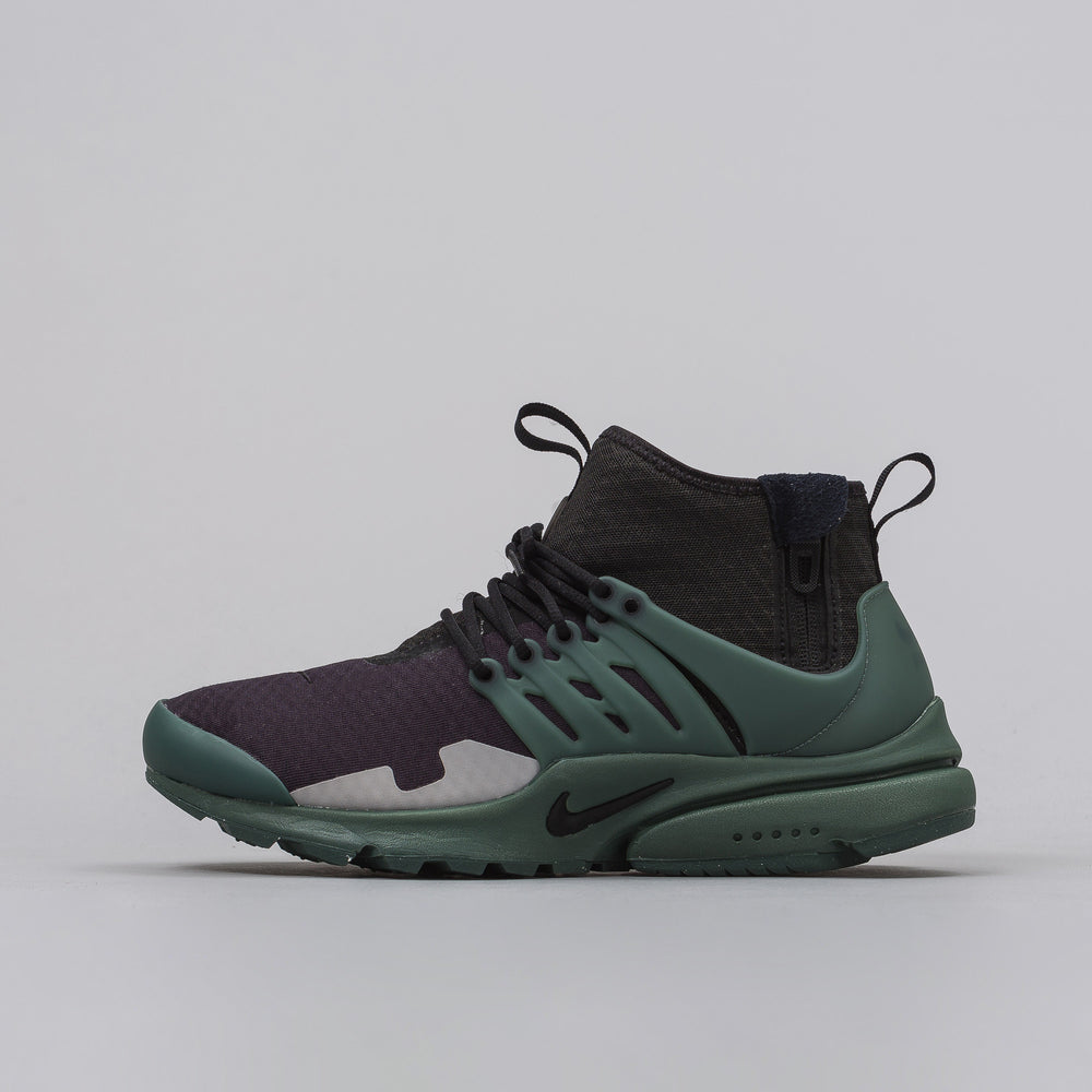 Nike Air Presto Mid SP in Black/Vintage Green - Notre