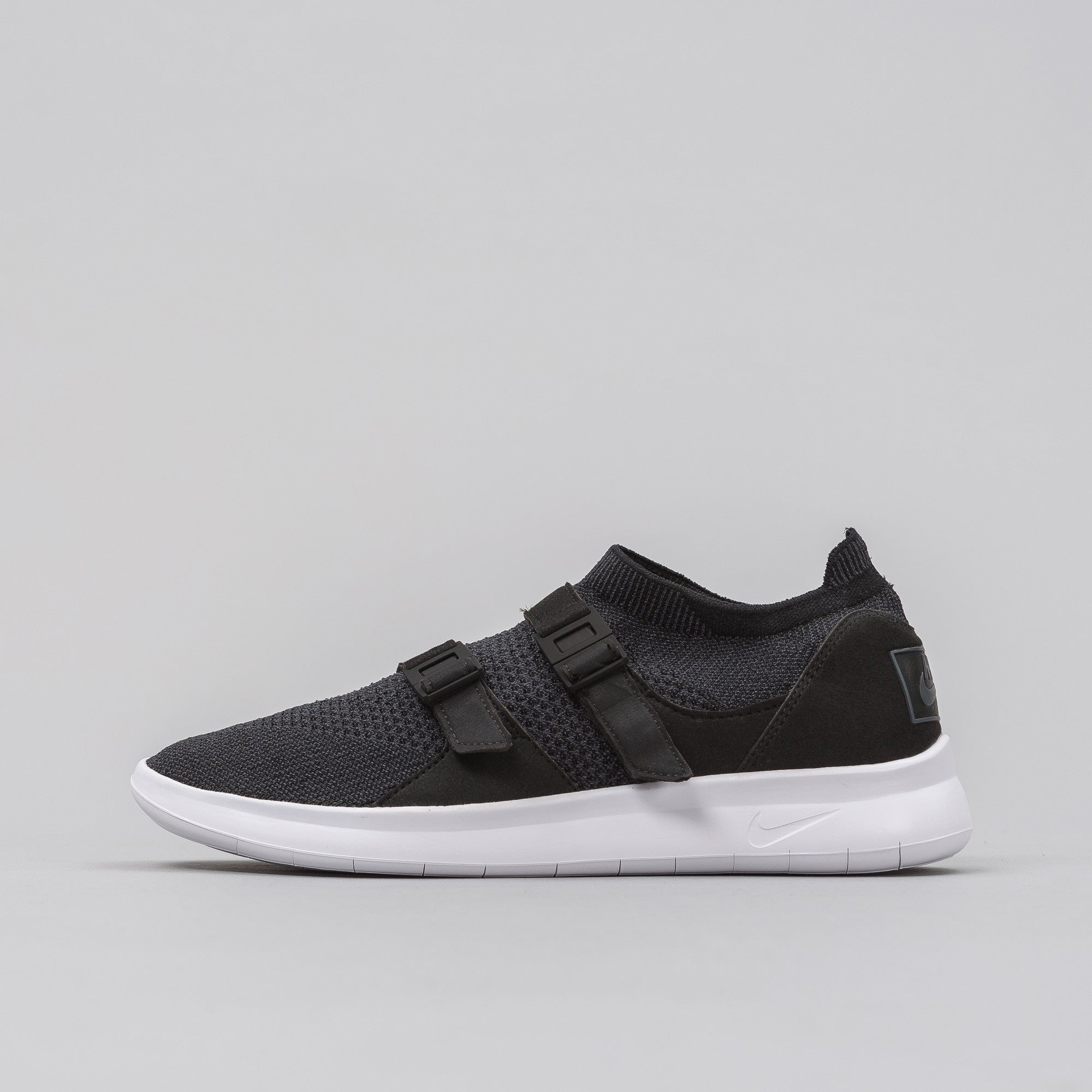 Air Sockracer Ultra Flyknit in Black/Anthracite/White