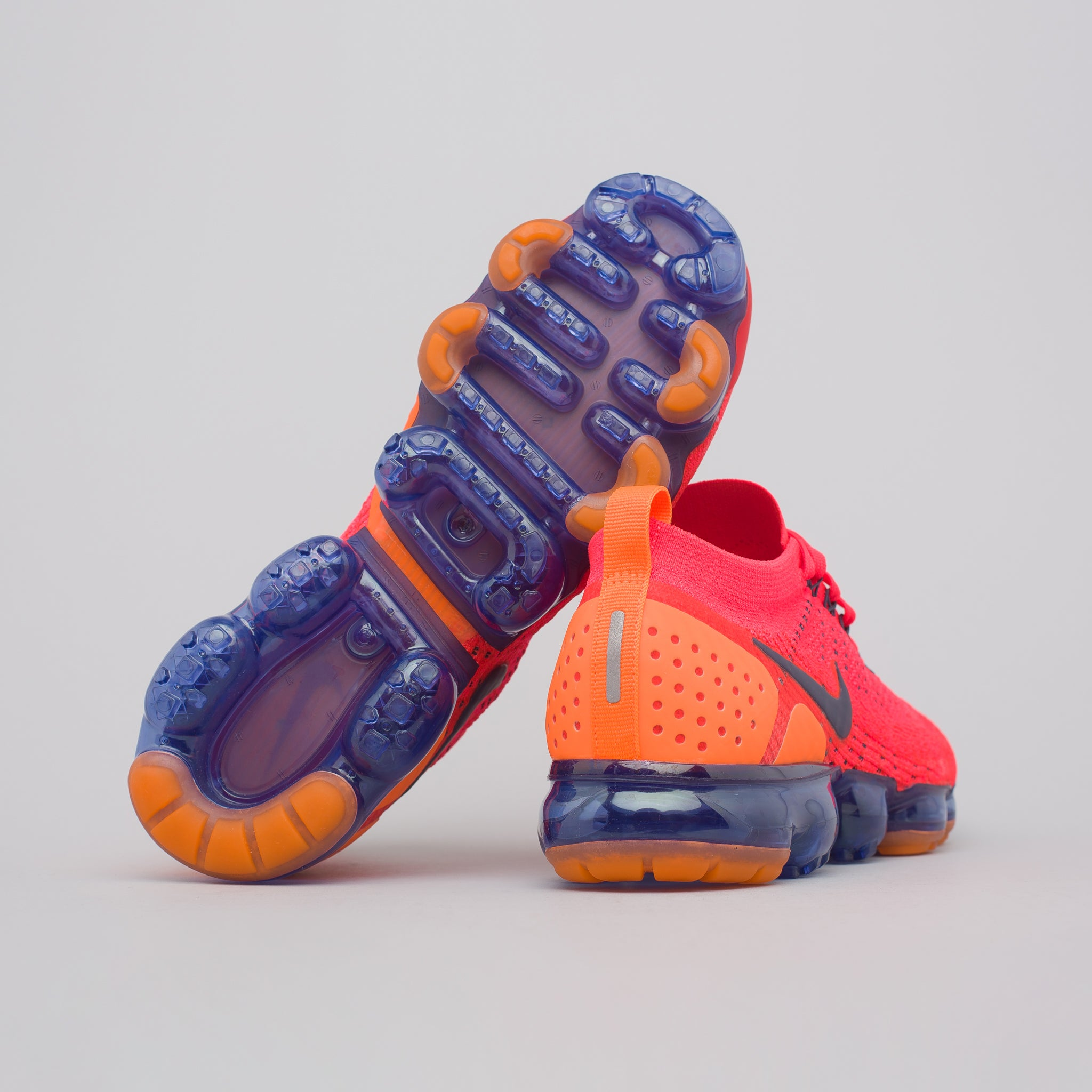 Air Vapormax Flyknit 2 in Red Orbit