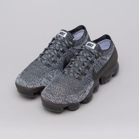 Nike Air Vapormax Flyknit in Oreo - Notre