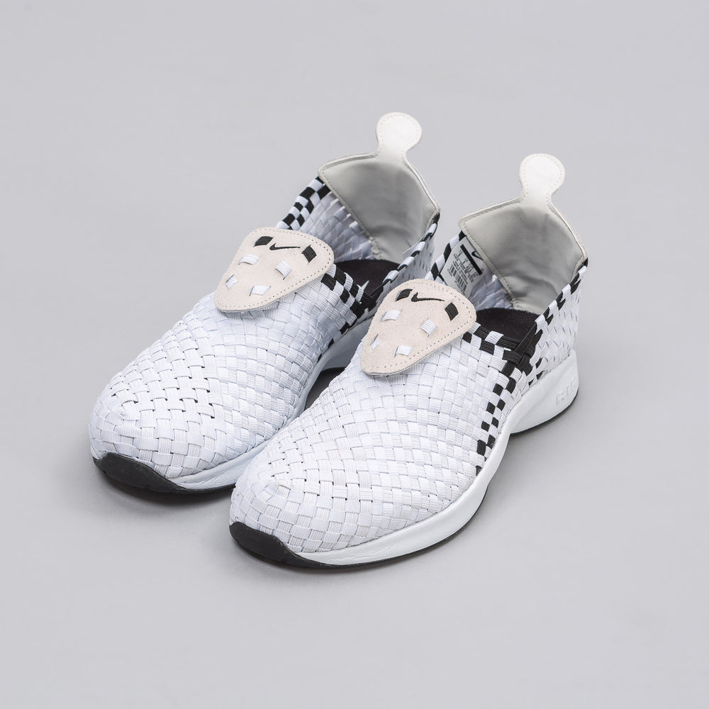 Nike Air Woven in White/Black - Notre