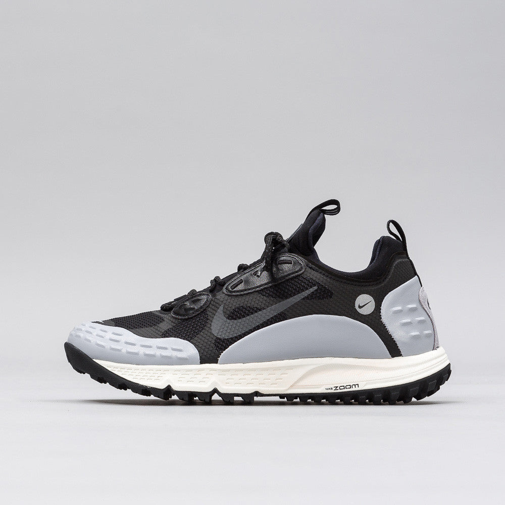 Nike Air Zoom Albis '16 in Black/Graphite - Notre