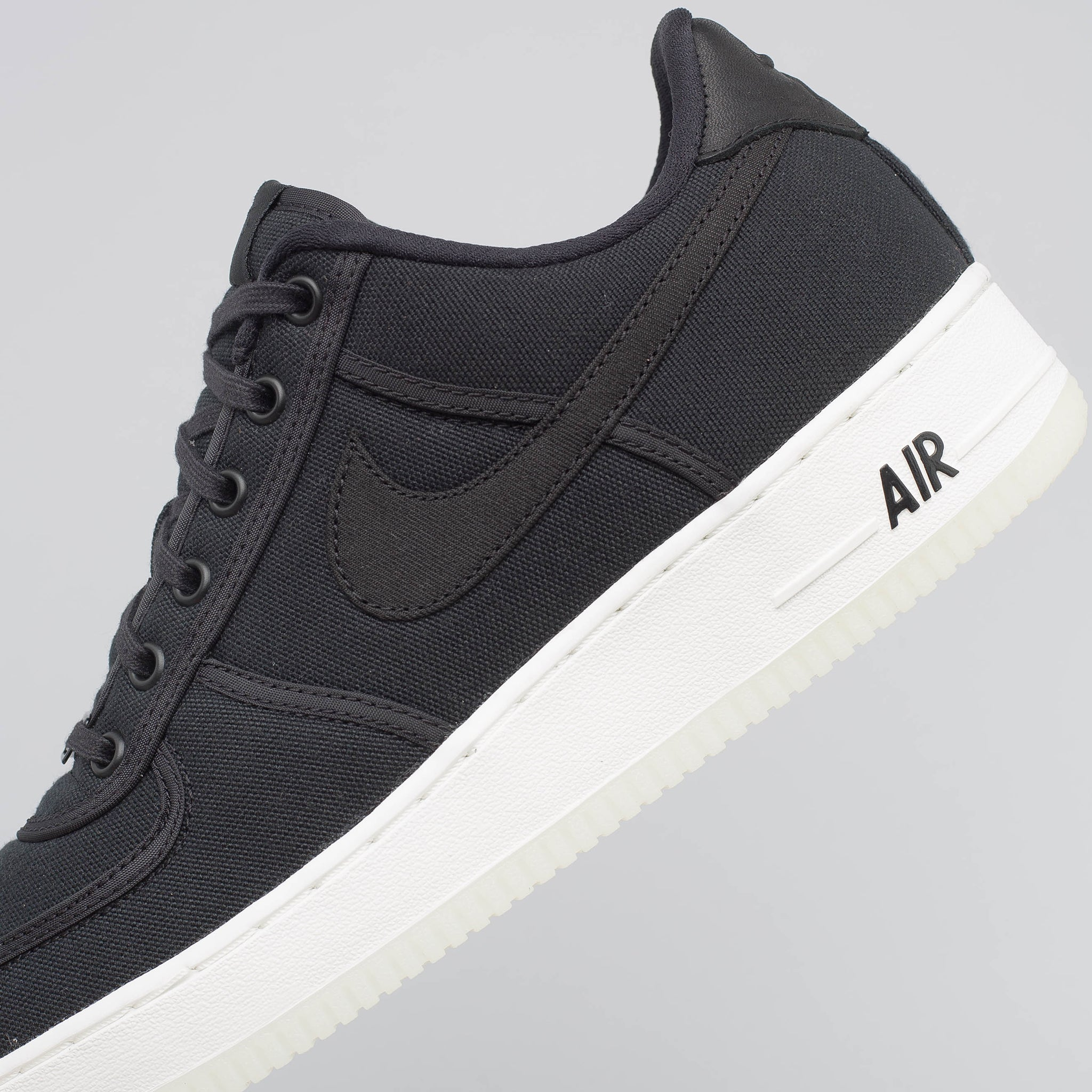 Air Force 1 Low Retro Canvas in Black