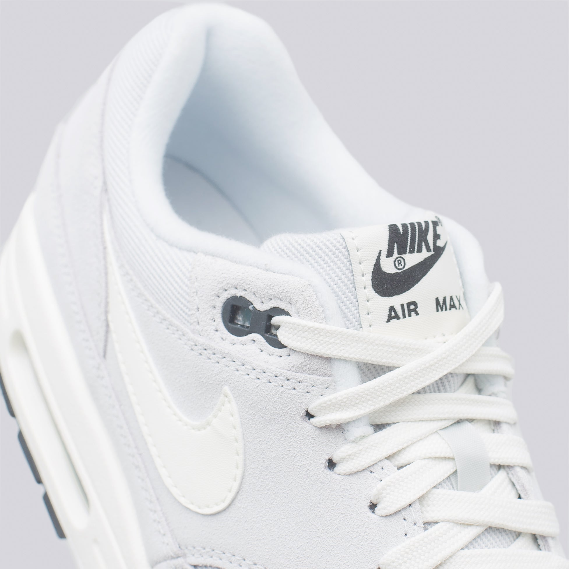Air Max 1 Premium in Platinum/Sail