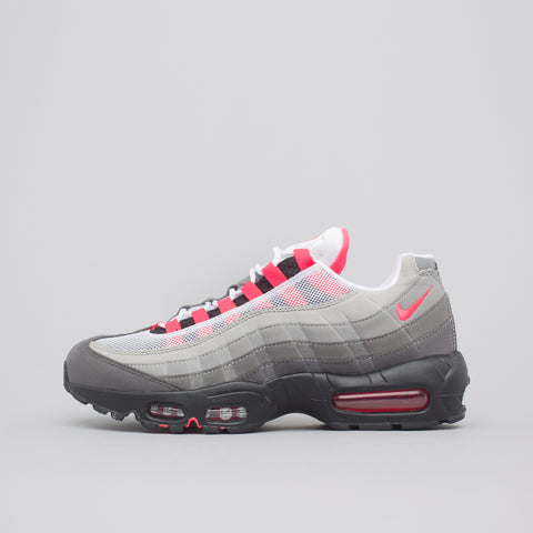 Nike Air Max 95 OG in White/Solar Red - Notre