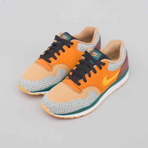 Nike Air Safari SE in Monarch - Notre