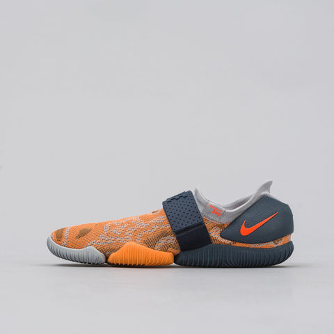 Nike Aqua Sock 360 in Wolf Grey/Total Crimson - Notre