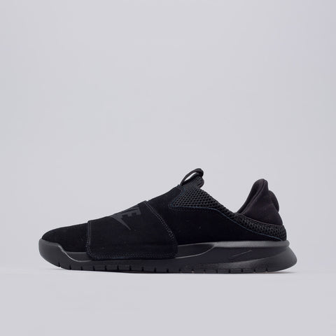 Nike Benassi Slip On in Core Black - Notre