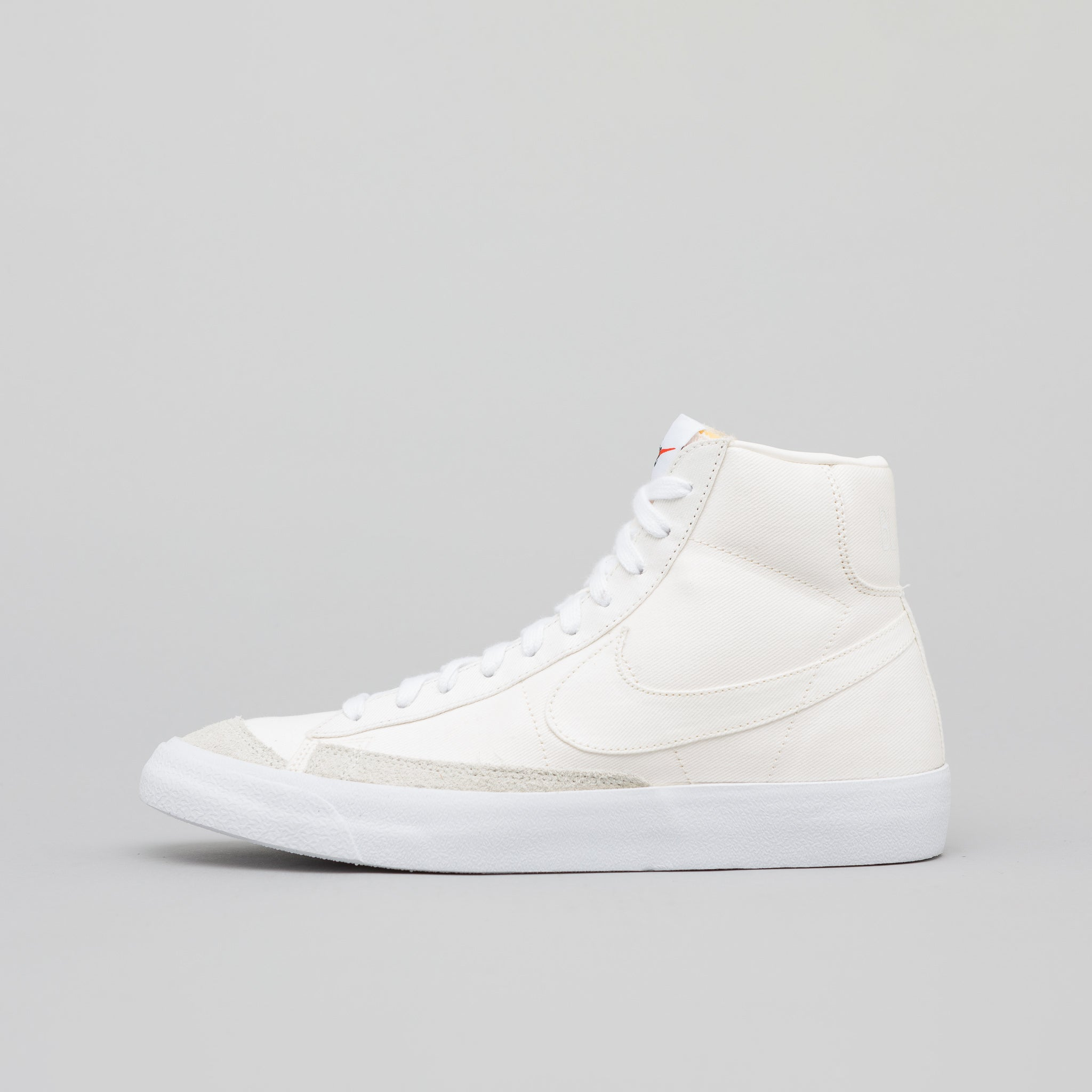 new arrival 12cec 23369 Blazer Mid 77 Vintage WE in Sail · Nike