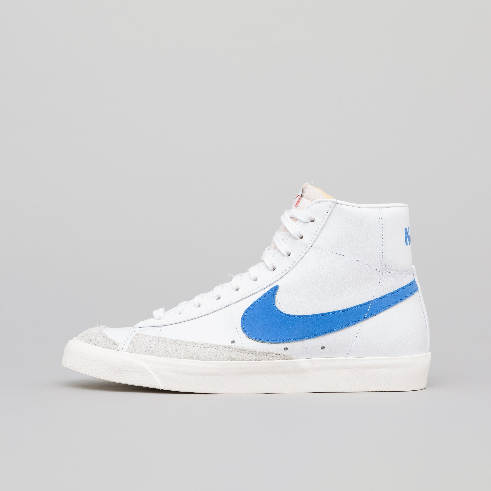 premium selection 588f2 4dd2c Blazer Mid 77 Vintage in Pacific Blue. Nike