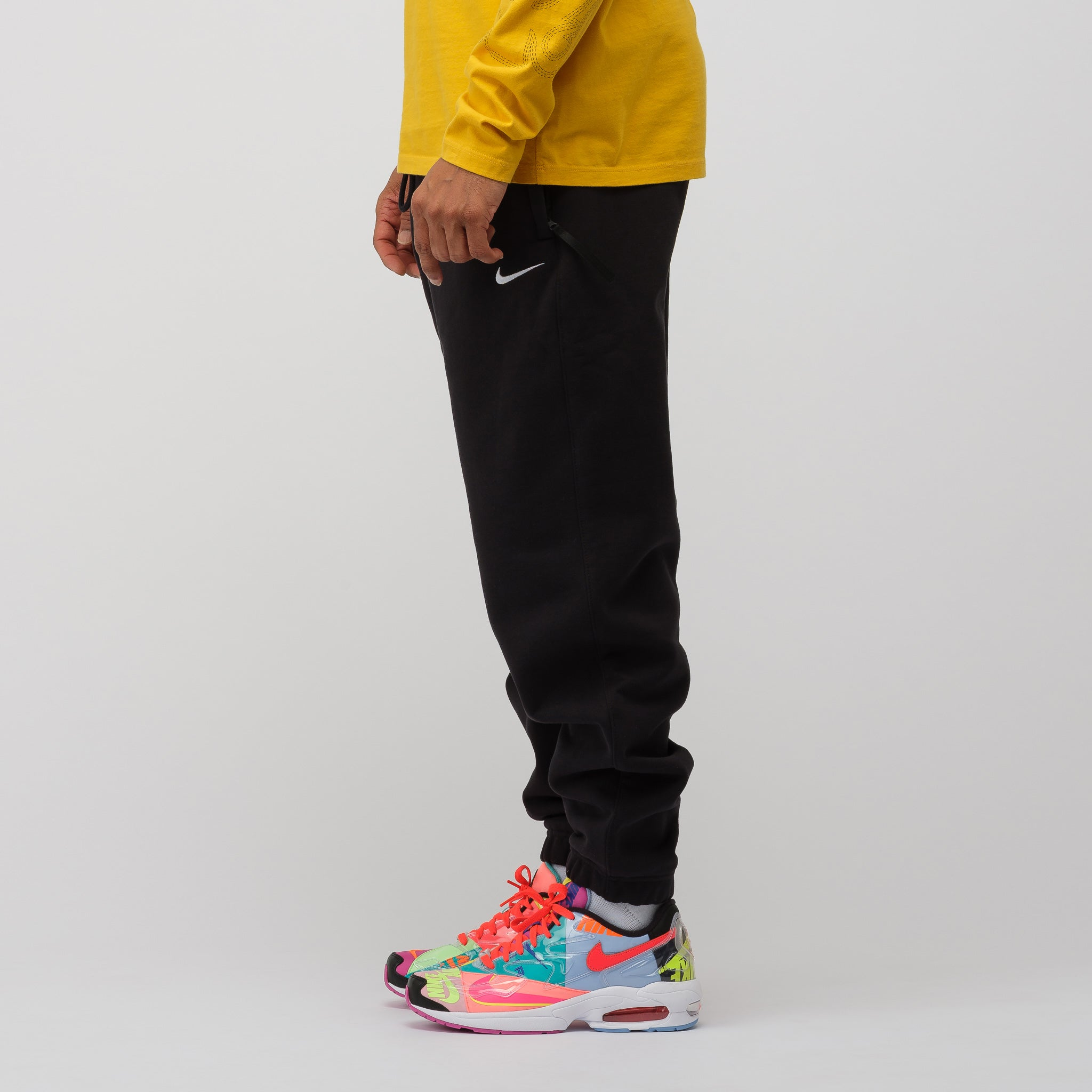 a2633c8b8e1a49 NikeLab Fleece Pants in Black