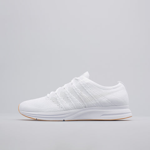 Nike Flyknit Trainer in White/Gum - Notre