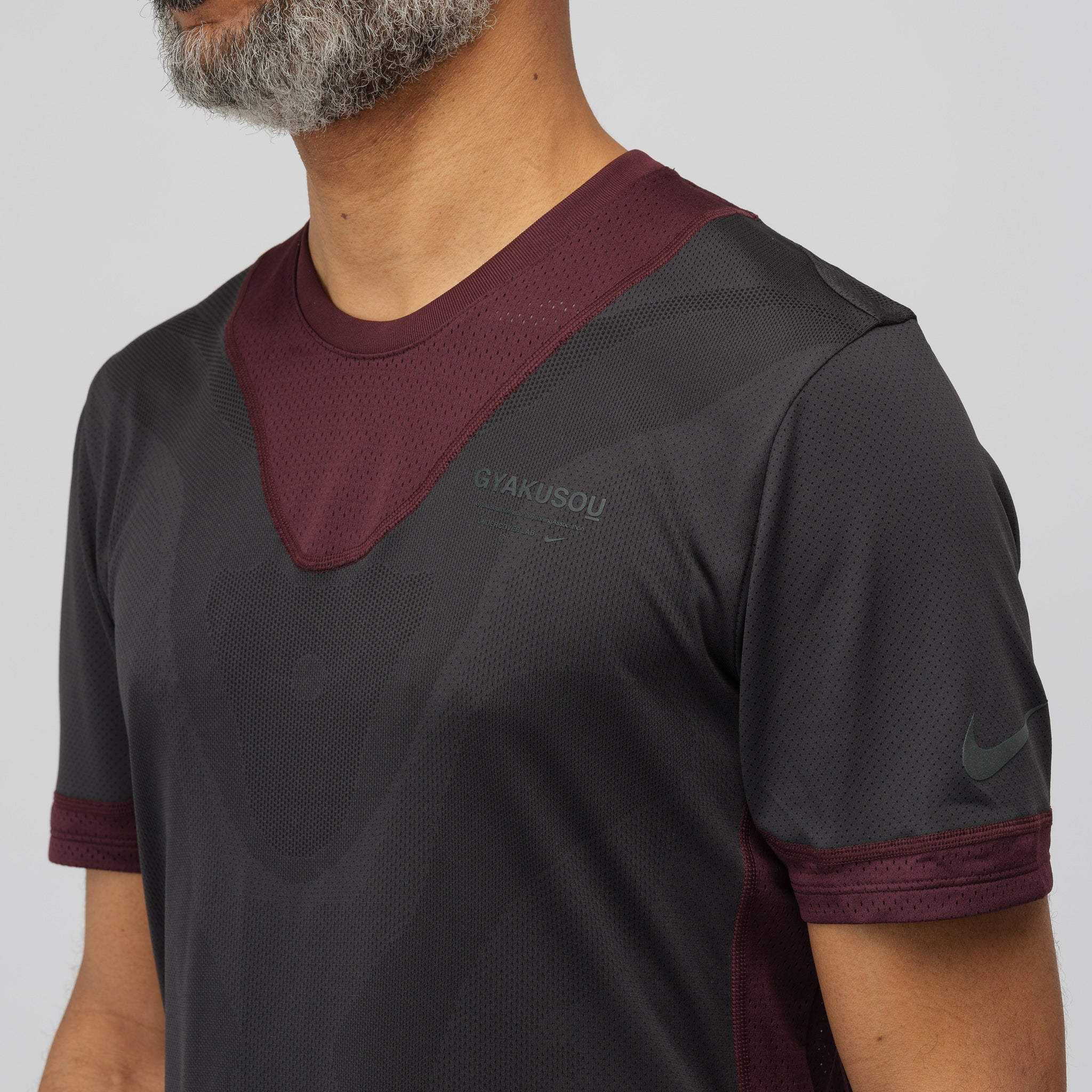 Gyakusou Short Sleeve Top in Deep Burgundy
