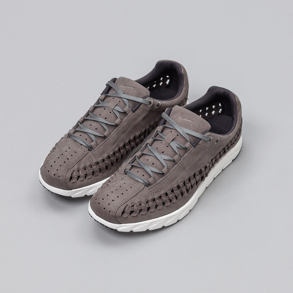 Nike Mayfly Woven in Tumbled Grey 833132-002