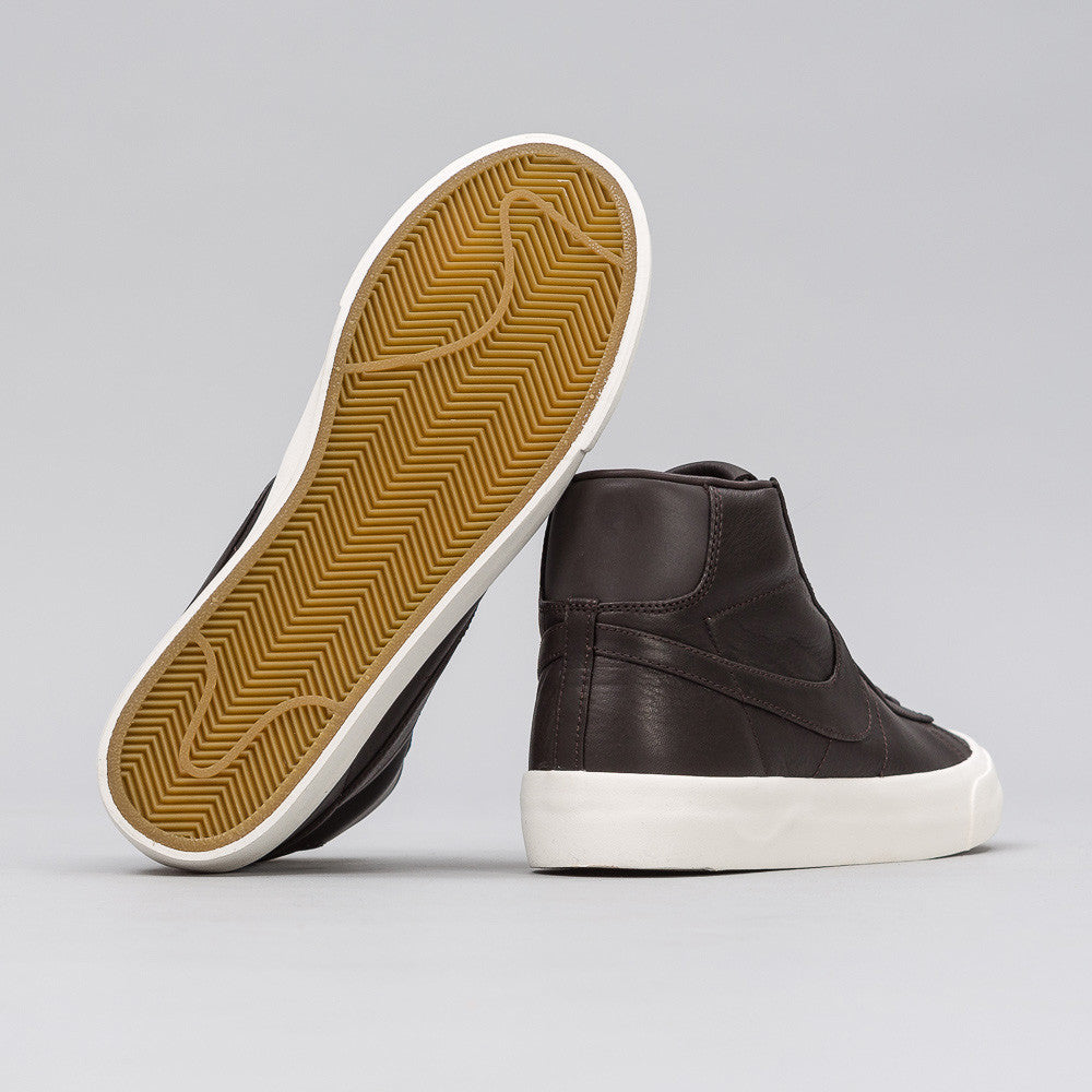 Nikelab Blazer Studio Mid in Velvet Brown
