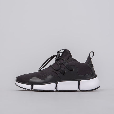 Nike Pocketknife DM in Black - Notre