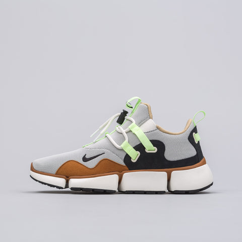 Nikelab Pocketknife DM in Tawny/Black