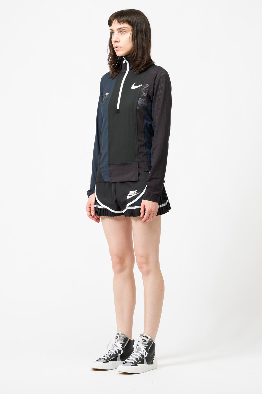 Nike Sacai Half-Zip Running Jacket in Black/Dark Obsidian - Notre