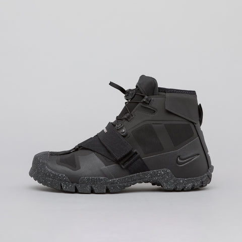 Nike x Undercover SFB Mountain in Black - Notre