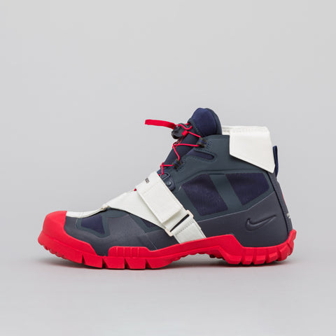 Nike x Undercover SFB Mountain in Obsidian/Red - Notre