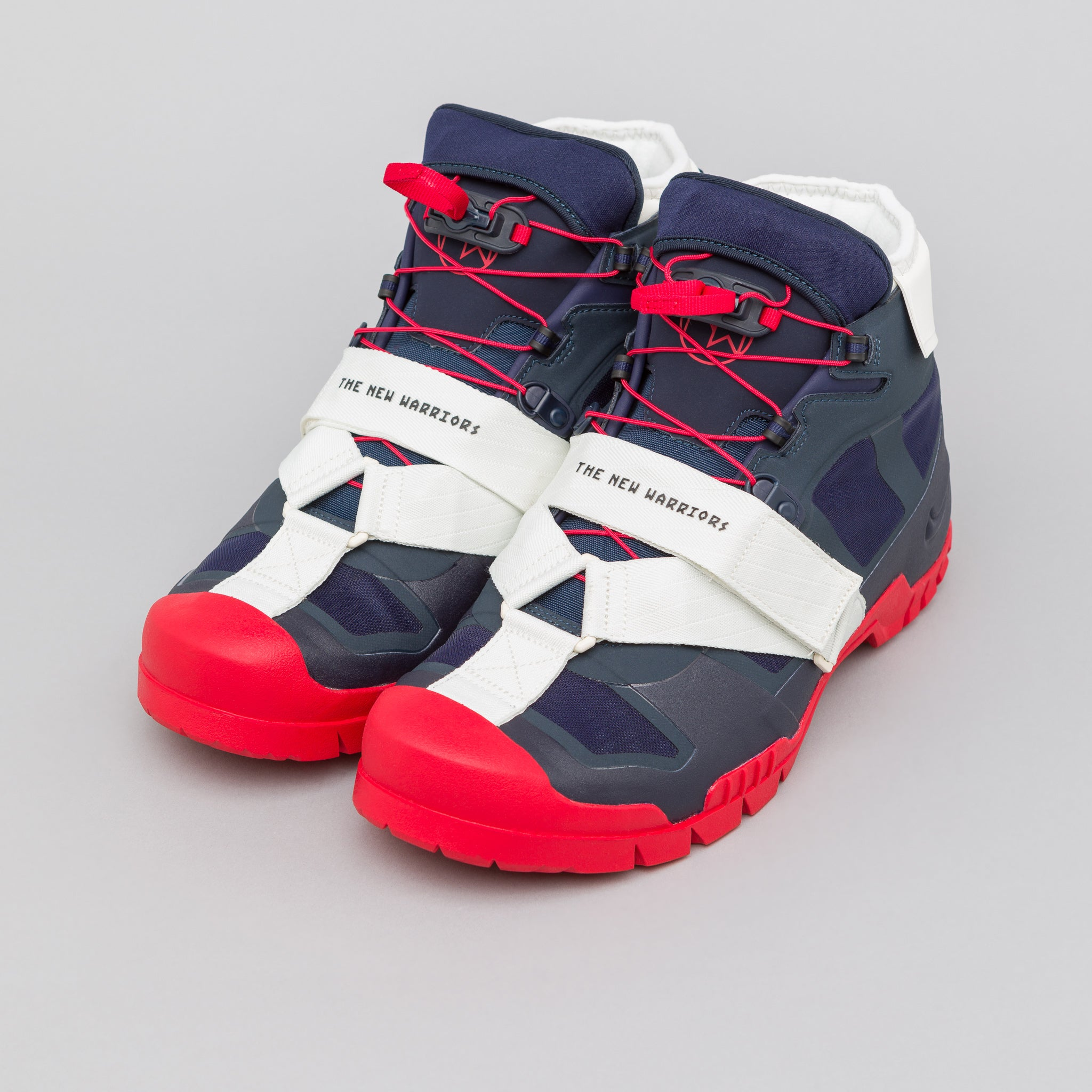 x Undercover SFB Mountain in Obsidian/Red