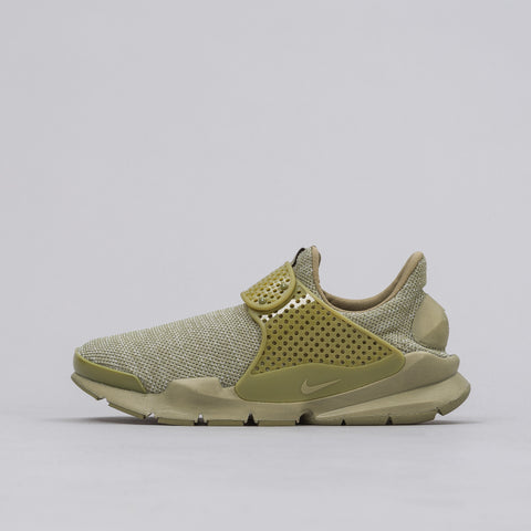 Nike Sock Dart Breeze in Olive - Notre
