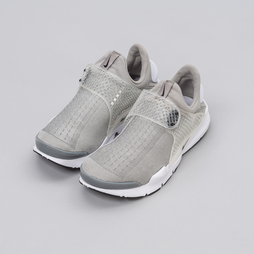 Sock Dart in Platinum Grey