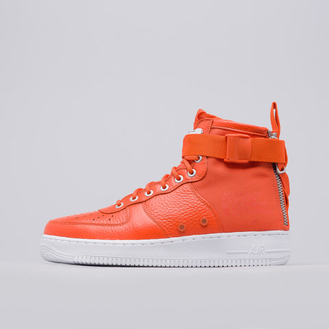 Nike Special Field Air Force 1 Mid in Total Orange - Notre