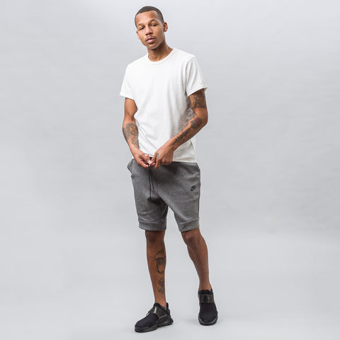 Nike Tech Fleece Short in Grey - Notre