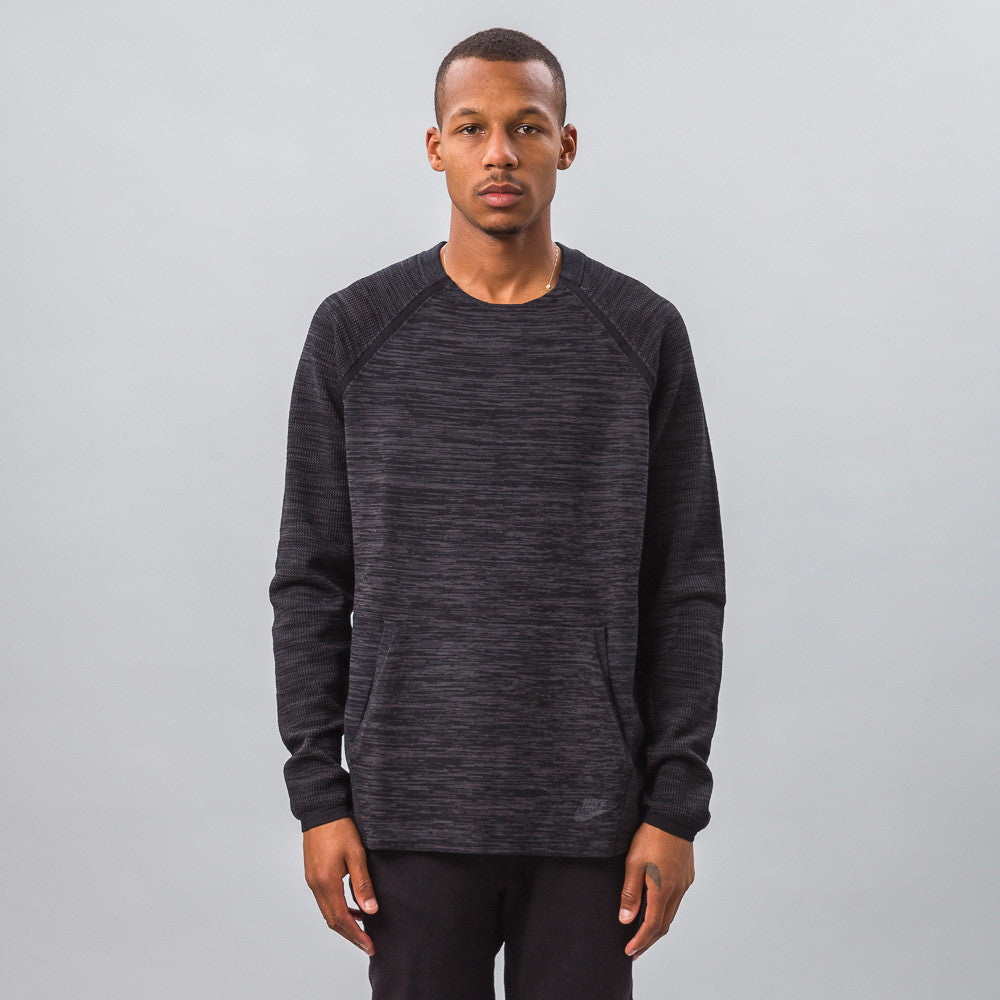 Nike - Tech Knit Crew in Black - Notre - 1