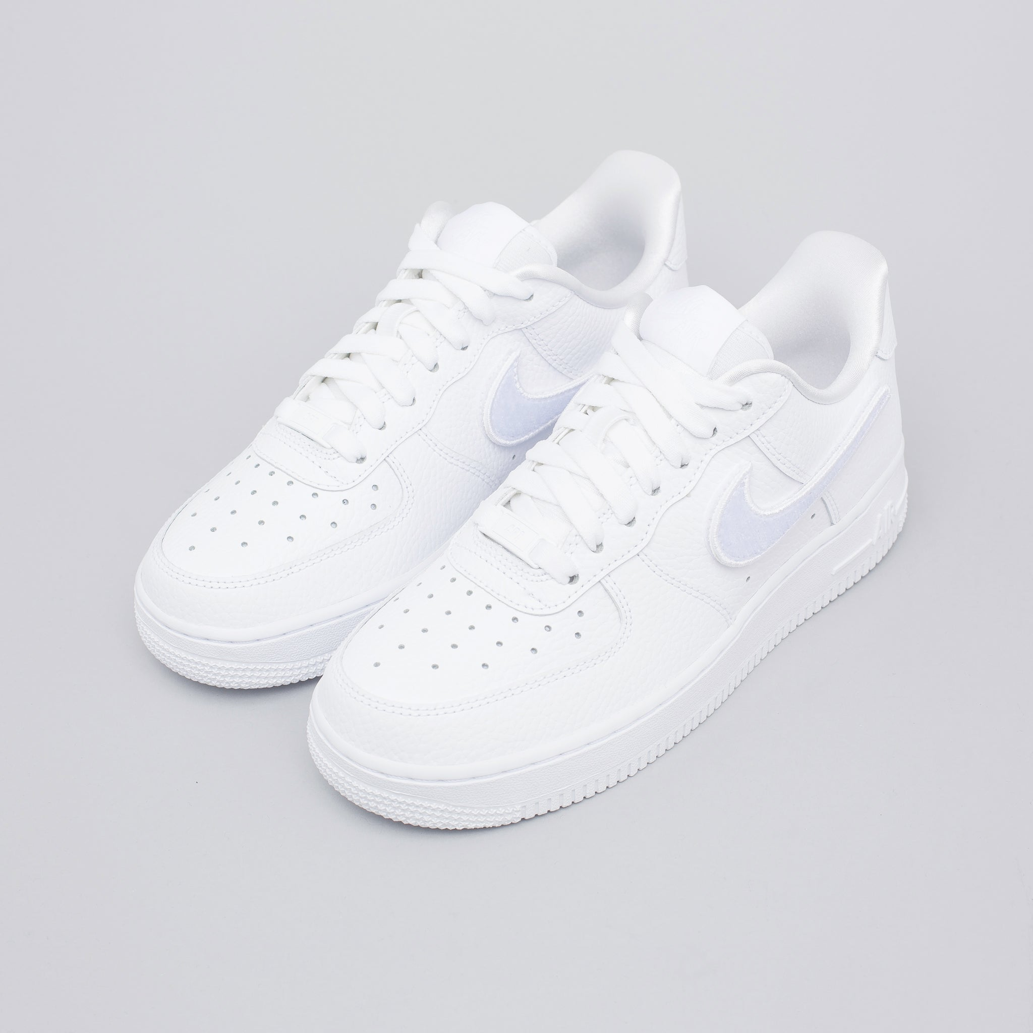Women's Air Force 1-100 in White