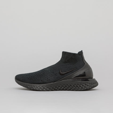 Nike Women's Rise React Flyknit in Black - Notre