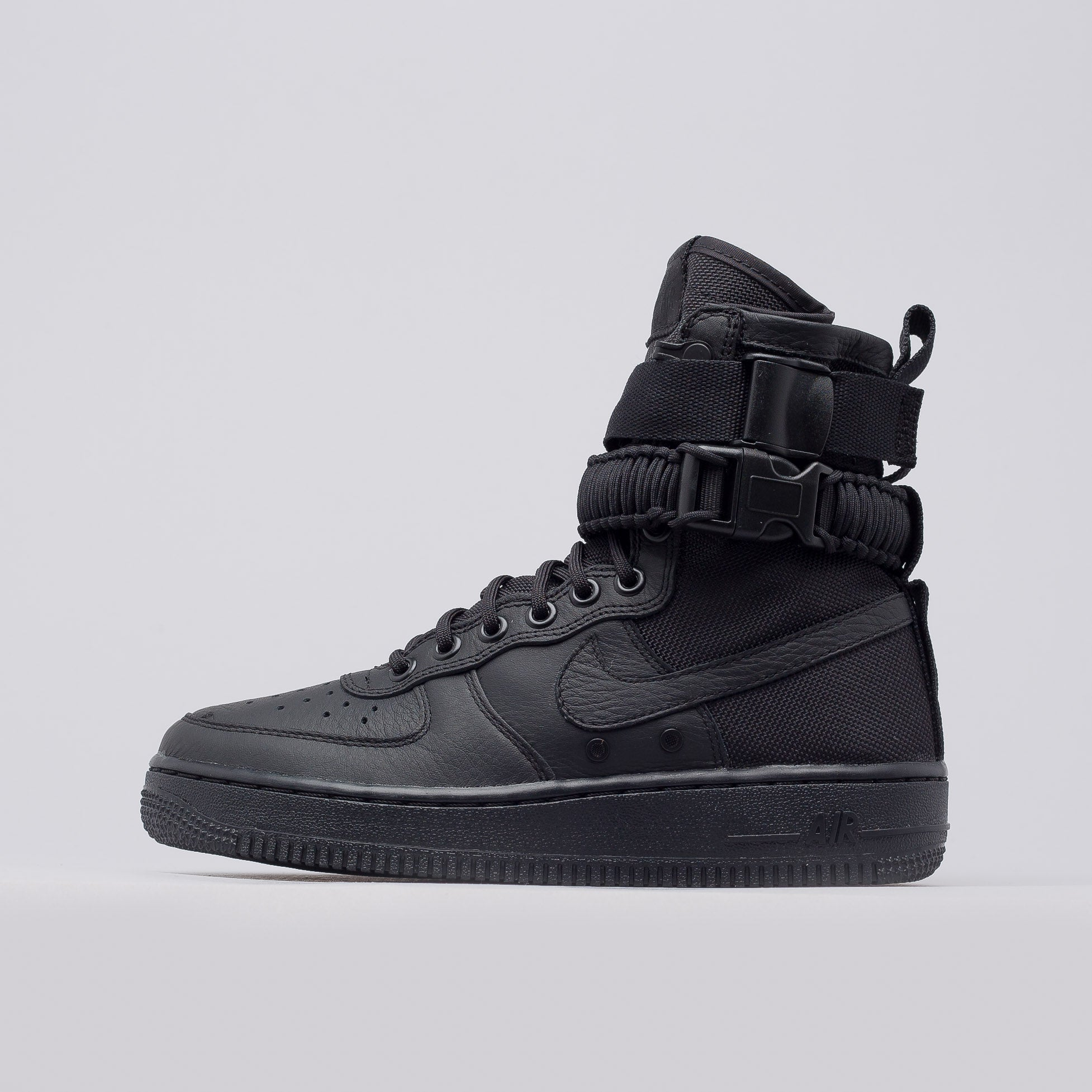 Nike SF Air Force 1 Women's Lifestyle Shoes Black oZ8052L
